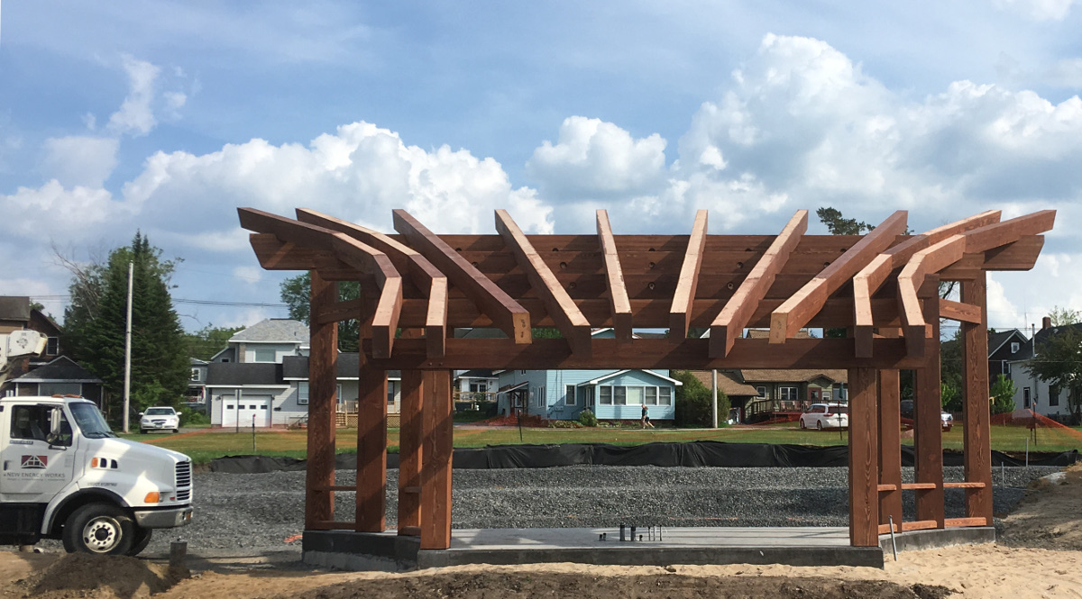 A custom finish was applied to the solid Douglas fir and glulam timbers that form the bandshell.